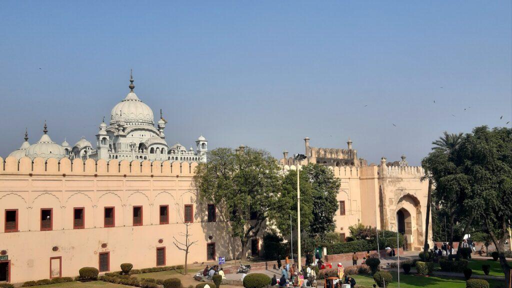 Kilátás a Badshahi mecsetből