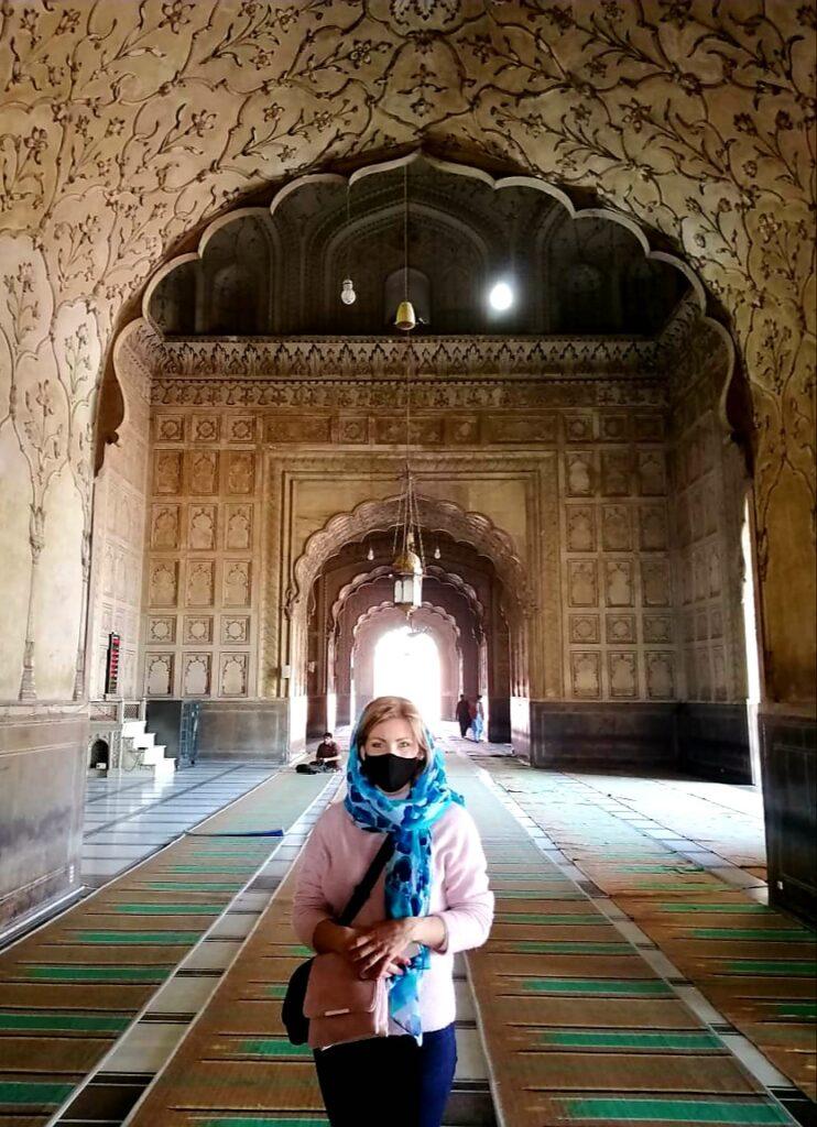 Évi a mecsetben