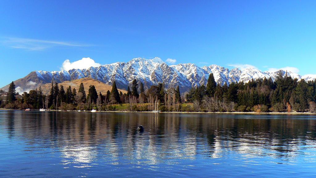 NZ lake hills