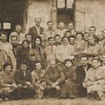 1960 – A szabadkai cipőgyár élmunkásai ( A hátsó sorban a legmagasabb: Kovács Birkás Mihály a tervosztály vezetője).