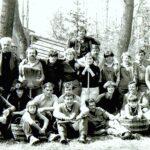 1977 – a fiatalok tavaszi nagytakarításban.