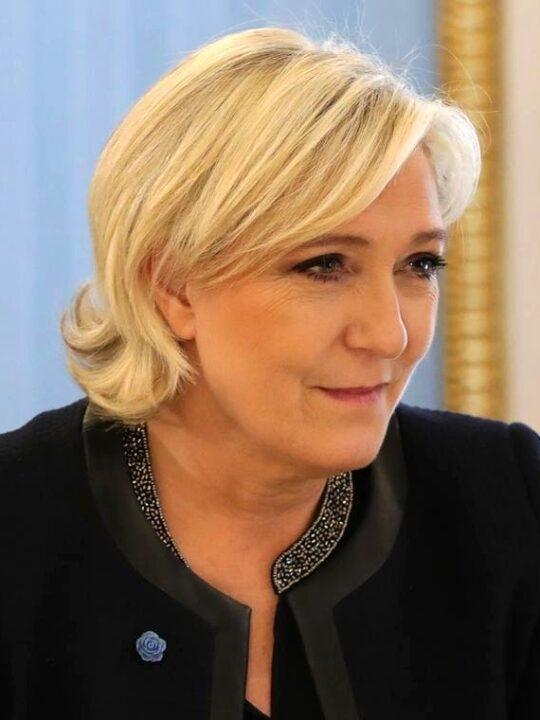 Marine Le Pen 2017 03 24 01 cropped