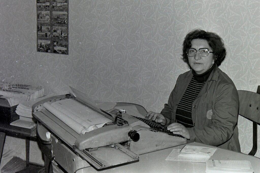 1978 – faktoring.
