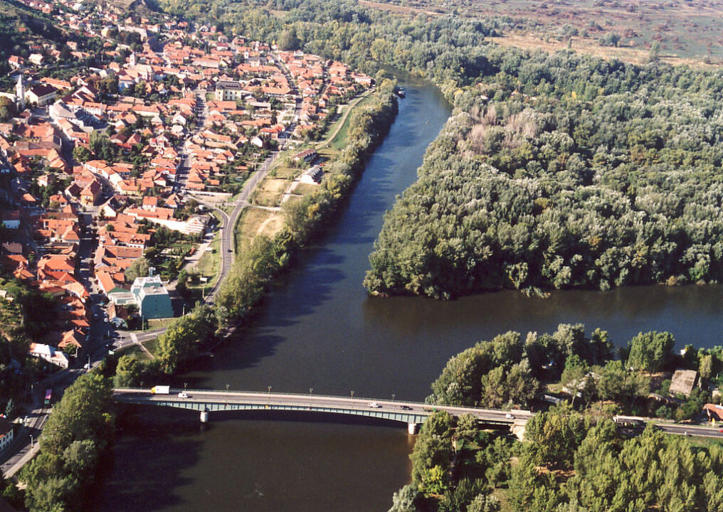 1024px River Tisza Bodrog Tokaj