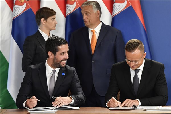 Magyar szerb kormanyzati csucstalalkozo Budapesten Sajtotajekoztato 1